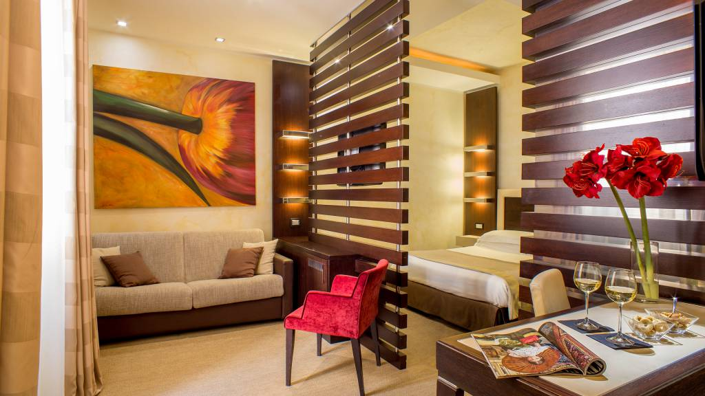 04-Les-Fleurs-Luxury-House-Rome-room