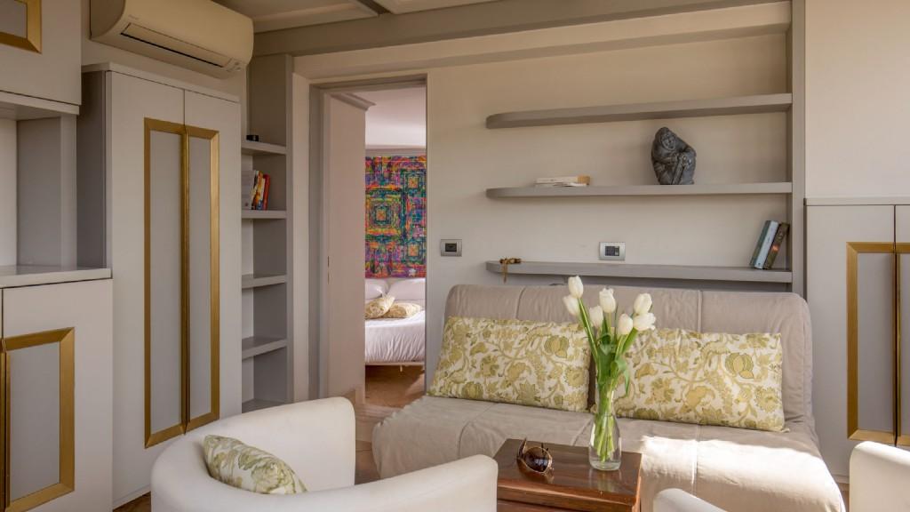 penthouse-divano