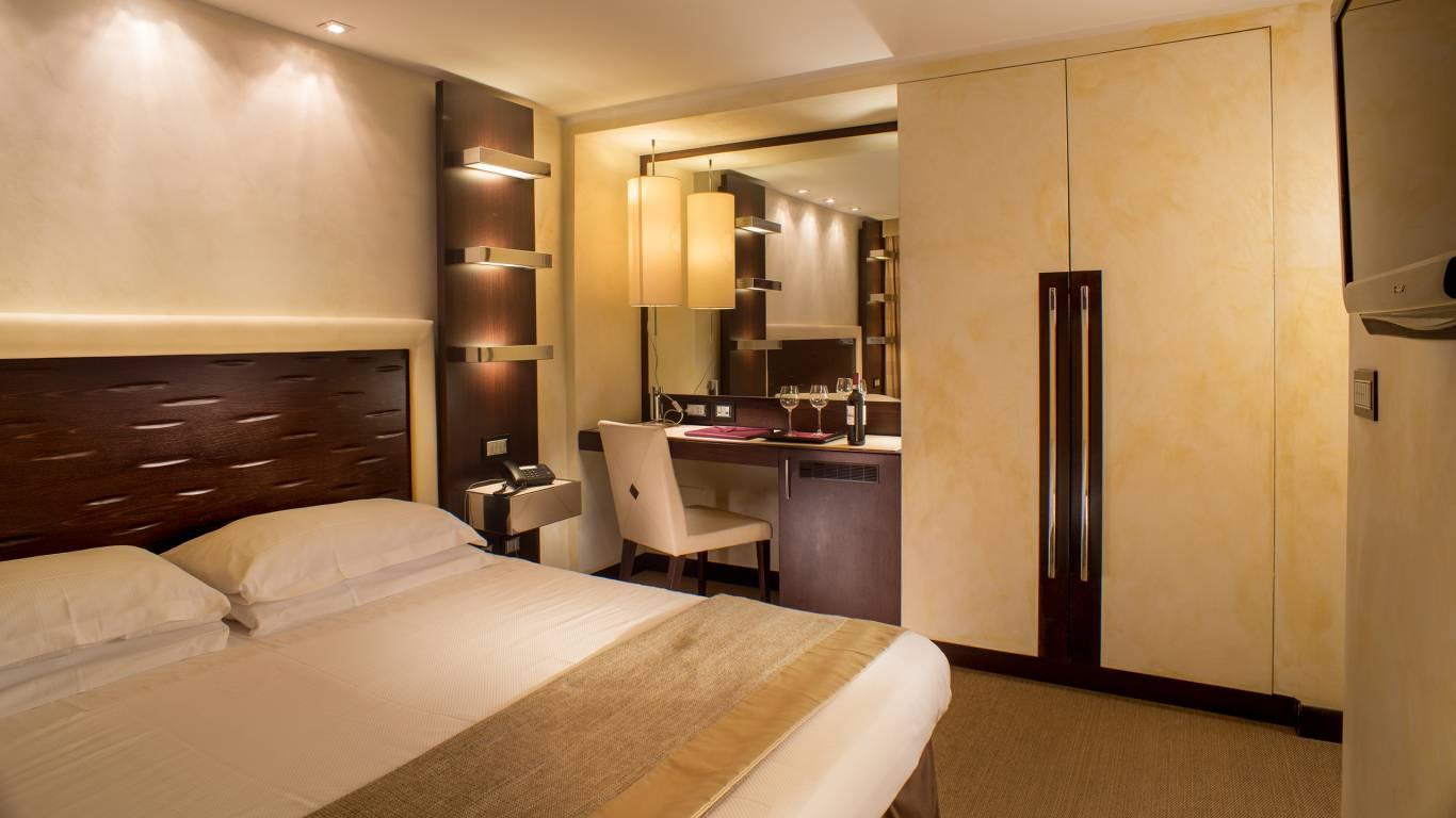 01-Les-Fleurs-Luxury-House-Rome-chambre-standard