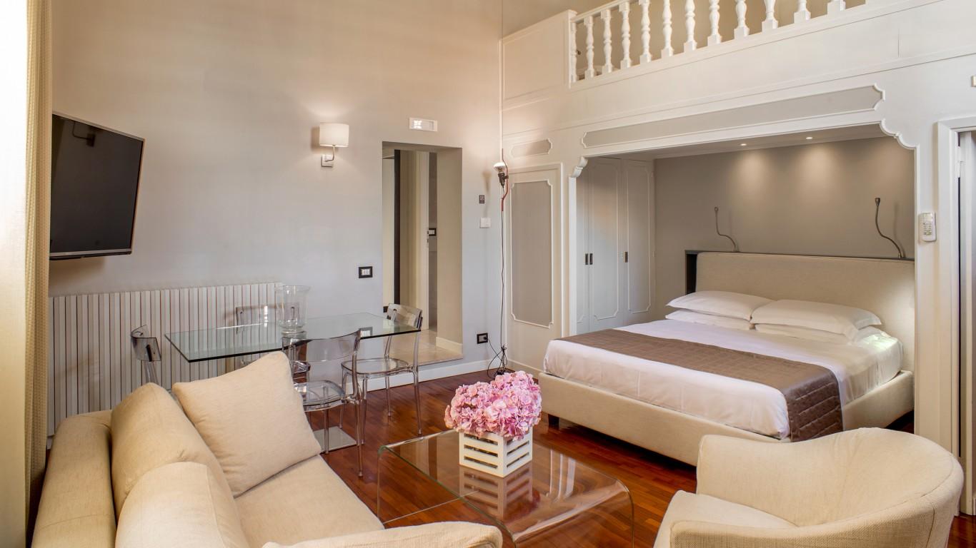 52-Les-Fleurs-Luxury-House-Rome-suite