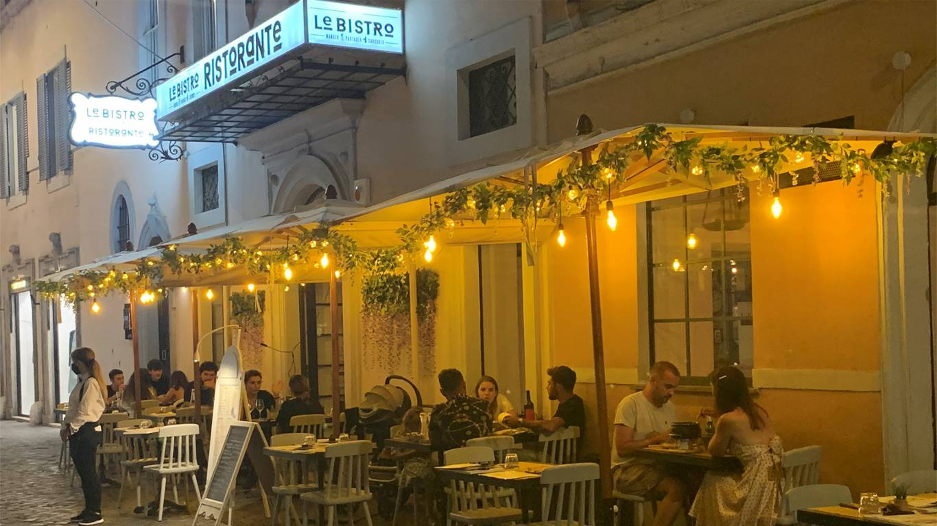 Les-Fleurs-Luxury-House-Roma-Ristorante-foto5