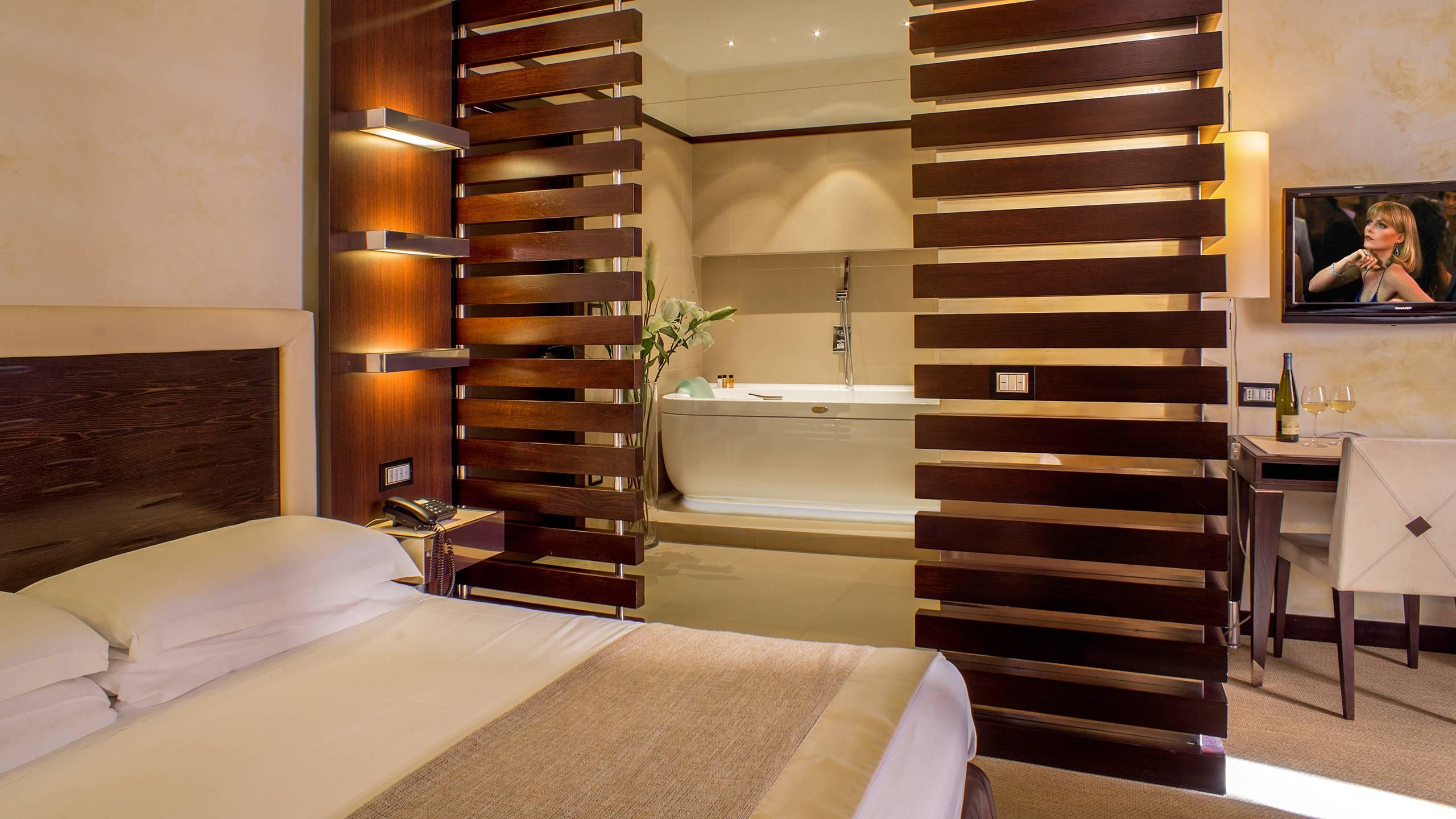 06-Les-Fleurs-Luxury-House-Rome-room