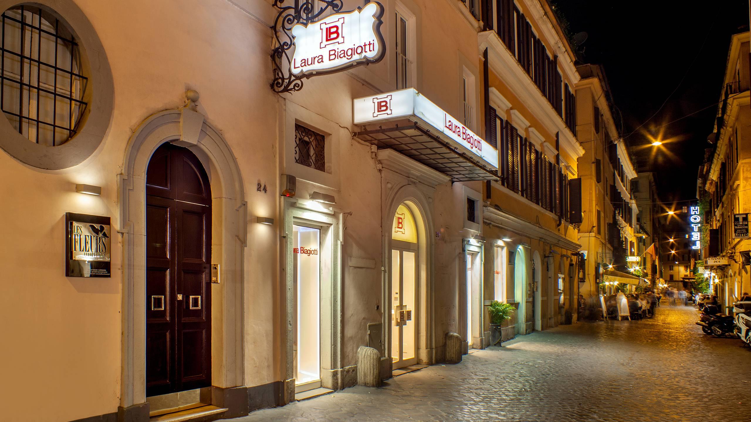 63-Les-Fleurs-Luxury-House-Rome-entree