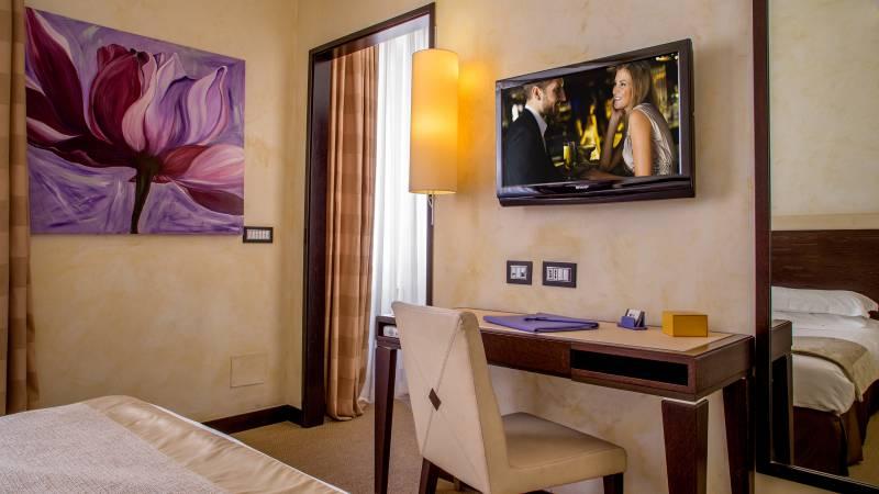 46-Les-Fleurs-Luxury-House-Rome-chambre