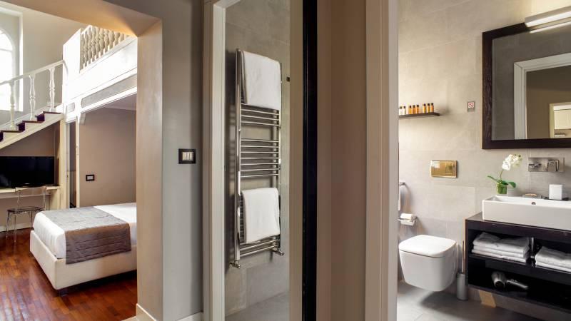 55-Les-Fleurs-Luxury-House-Rome-suite